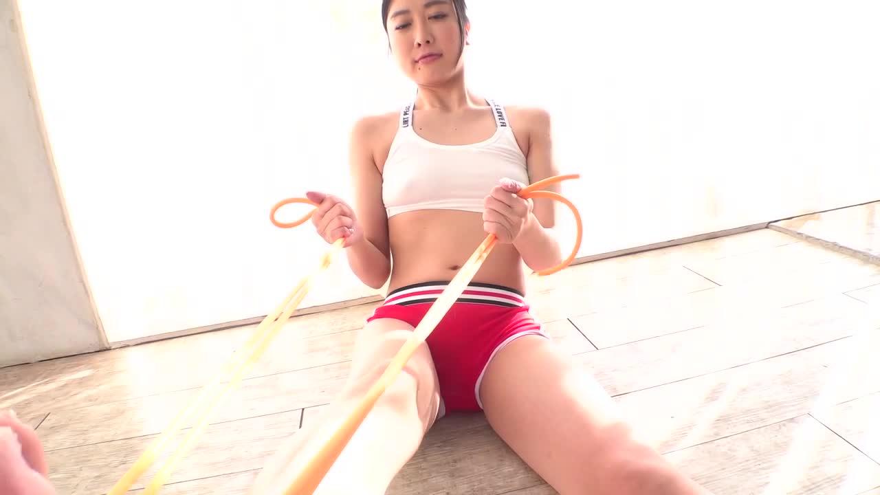 高垣愛莉 レースクィーンでモデルもこなす長身美女 デビュー 10