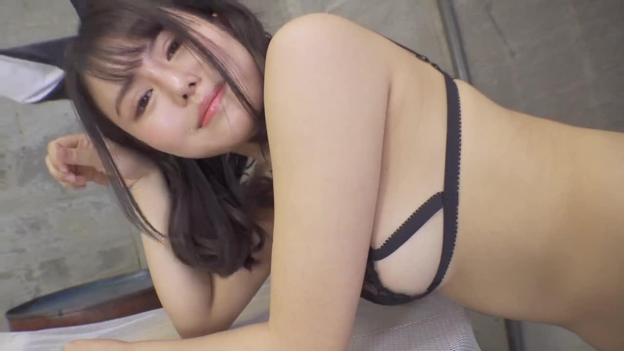 成村あかね ムチムチ~初めて脱いじゃった~ 1