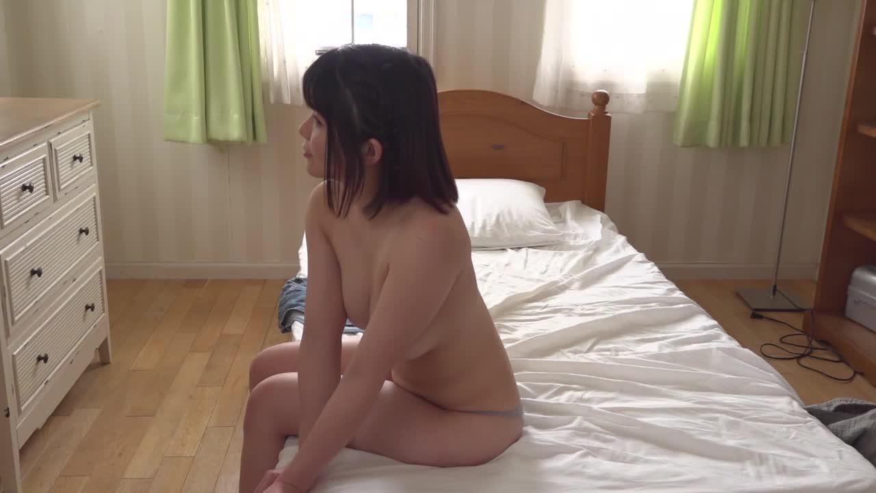 狙えば写るんでっす!/新人グラドル5人収録!! 12
