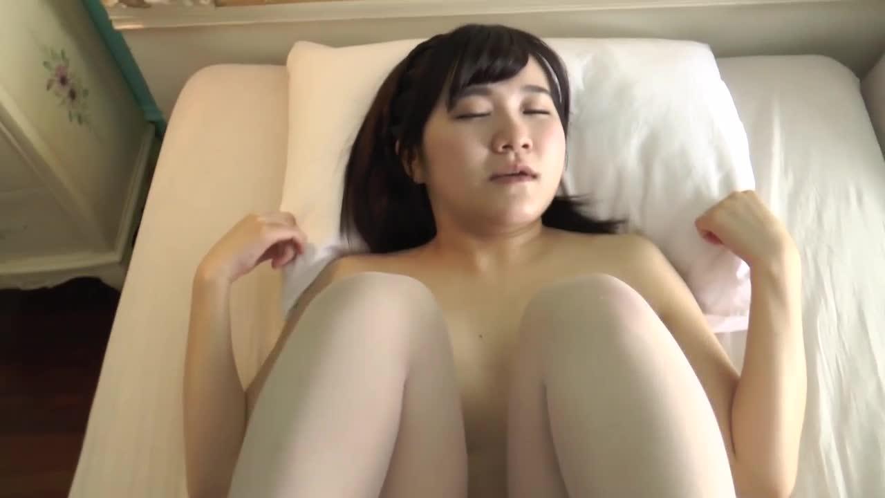 結城日向多 黒髪乙女 ~Hカップ! 超爆乳少女~ 15