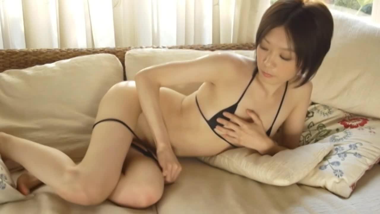 白い肌、モデルのような身体が男の性欲をそそる!/白糸つむぎ:画像05